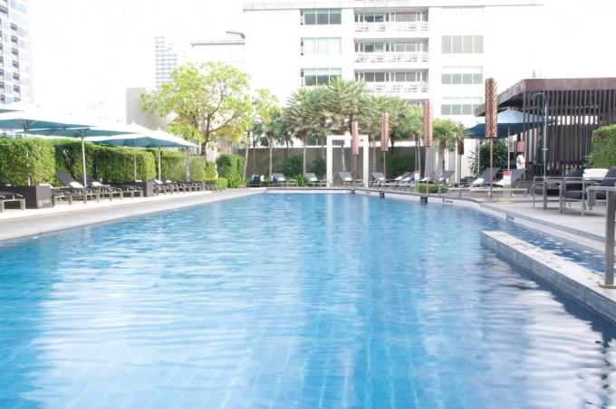 sofitelbangkok pool